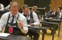 U pola sata kandidati anonimno degustiraju i pismeno opisuju jedno bijelo i jedno crveno vino, pri čemu su morali ocijeniti i opisati vino uz pokušaj prepoznavanja porijekla, proizvođača, godine berbe, trajnosti te isto to vino i preporučiti uz jelo.